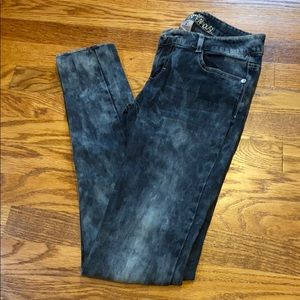 Acid Washed style Jeans